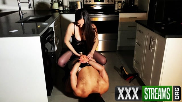 Alexxa Hell The bad cook got what he deserved 00011